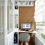 7-exemplu de amenajare a unui spatiu de lucru cu birou si etajera in balcon ingust