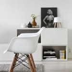 7-fotolii-scaun-eames-in-amenajarea-unui-living-minimalist