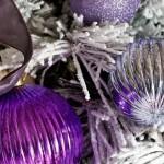 7-globuri simple cu aspect pretios violet si argintii decor brad modern de Craciun