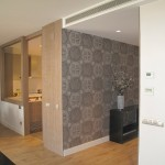 7-hol trecere decorat cu tapet apartament mare modern
