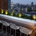7-idee amenajare bar sau loc mic dejun in balcon