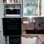 7-interior dulapuri bucatarie moderna cu masina de spalat vase si cuptor electric