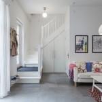 7-intrare si scara interioara apartament cu 3 camere de 64mp