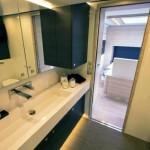 7-lavoar-compozit-baie-moderna-casa-pe-roti