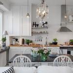 7-loc de luat masa intre bucatarie si living garsoniera mica