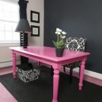 7-masa veche din lemn vopsita in roz fuchsia