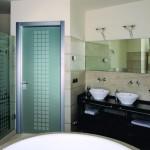 7-model usa batanta din sticla alba mata cu imprimeu decorativ pentru baie