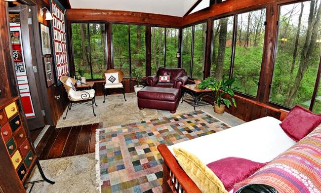 7-model veranda din lemn cu multe ferestre mari