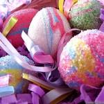 7-oua de paste decorate cu sclipici