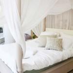 7-pat din lemn conceput special pentru a fi accesorizat cu un baldachin