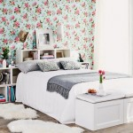 7-perete de accent decorat cu tapet cu imprimeu floral decor dormitor romantic
