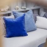 7-pernute decorative in nuante de albastru detalii decor terasa rustica