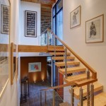 7-scara interioara design modern structura din otel si lemn cu 2 rampe si un podest