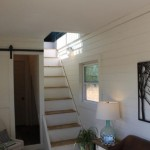 7-scara interioasa si intrare baie mica parter casa mica din doua containere maritime