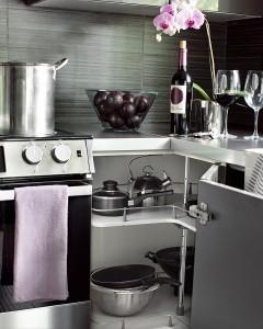 7-sistem rotativ pentru maximizarea spatiului din dulapurile de colt ale mobilierului de bucatarie