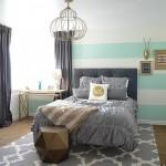 7-tapet in dungi orizontale albe si bleu decor perete dormitor