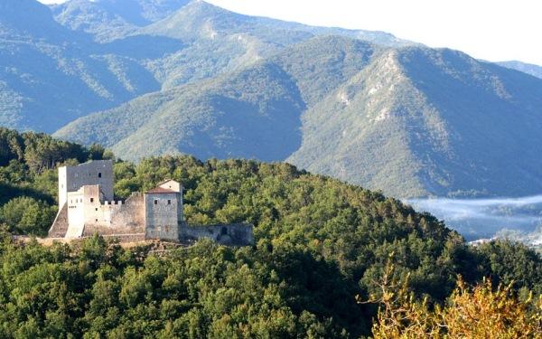 Castello dell Aqu
