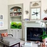 8-acvariu mic pe o polita de pe etajera living clasic