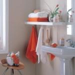8-agatatoare pentru prosoape montate sub polita suspendata perete baie