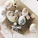 8-aranjament decorativ din oua vintage in cosulet din nuiele pentru masa de Paste