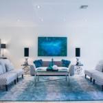 8-asezarea canapelelor din living pe marginea covorului