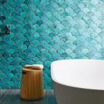 8-baie spectaculoasa finisata cu faianta model solzi de peste in nuante de albastru turcoaz