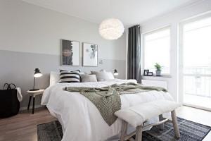 8-bancuta rustica din lemn in decorul unui dormitor scandinav