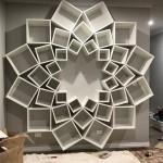 8-biblioteca moderna in forma de floare proiect DIY amenajare living