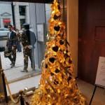 8 brad craciun din aur si pietre pretioase de 2 milioane usd japonia