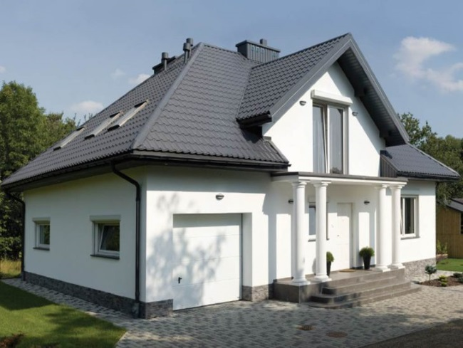 8-casa cu acoperis gri antracit si pereti exteriori albi
