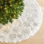 8-covoras decorativ de asternut sub bradul de craciun