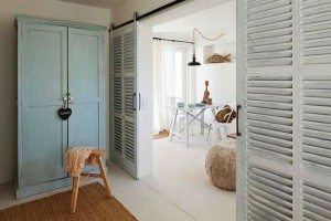 8-dormitor cu usi culisante casa mica de vacanta 37 mp