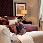 8-dormitor de lux decorat cu accente Marsala culoarea anului 2015