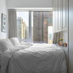 8-dormitor foarte mic cu patul lipit de dulapul de haine