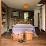 8-dormitor mare spatios finisat cu piatra naturala si lemn casa frumoasa Peru