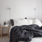 8-dormitor-scandinav-decorat-cu-o-patura-din-lana-merinos-cu-fir-gigant