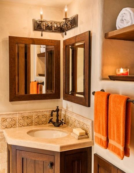 8-doua oglinzi montate deasupra lavoarului de colt din baie