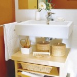 8-etajere depozitare accesorii igiena intima sub lavoarul din baie