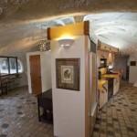 8-interior bucatarie open space casa pod in forma de ciuperca