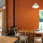 8-interior casa mica ecologica din beton de canepa si var Bevan Architects