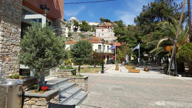 8-intrare mic hotel pe malul marii Paralio Astros Peloponez