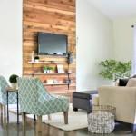 8-living ald si confortabil prin placarea unei portiuni de perete cu bucati de lemn