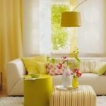 8-living luminos si insorit mobila alba pereti si accesorii culoare galbena