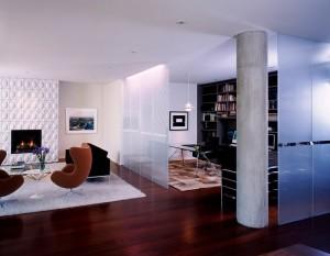 8-living mare cu birou separat cu ajutorul unui paravan de sticla