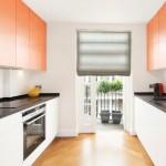8-mobilier minimalist bicolor bucatarie cu blat negru
