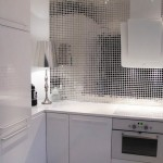 8-mozaic oglinda decor bucatarie moderna cu mobila alba