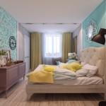 8-pat crem dormitor cu pereti gri si accente colorate bleu si galbene