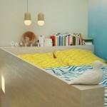 8-pat la inaltime cu textile in nuante de galben si bleu dormitor 10 mp