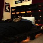 8-pat-negru-din-paleti-de-lemn-dormitor-adolescent