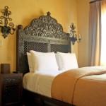 8-pat si noptiera din lemn masiv sculptat amenajare dormitor spaniol